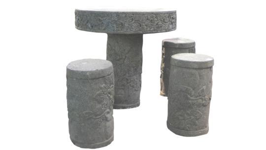 Steintisch mit drei Hockern, Blumenmotiv (5-teilig)