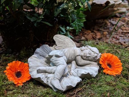 Schlafende Elfe, Gartenfigur, 19 cm lang